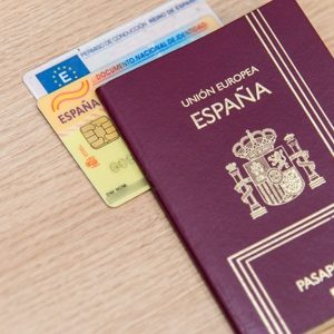 spanish passport , passport in spanish , how to get a spanish passport , where is your passport in spanish , cost of spanish passport,